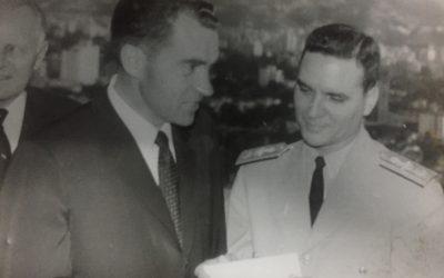 Nixon respondió con béisbol a las agresiones sufridas en Caracas